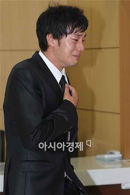 Our hearts are very sick, you have to go very far ^park yong ha oppa