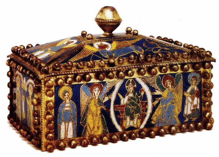 UNKNOWN GOLDSMITH, German, Reliquary box, 1100-50, Oak, champlevé panels, 14 x 20 x 13 cm; Kunstgewerbemuseum, Berlin