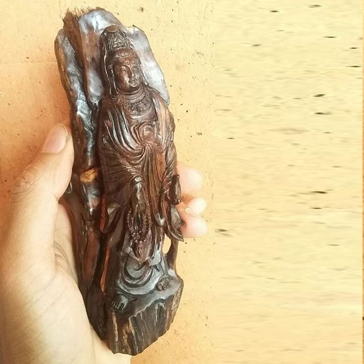 Guanyin Guan Yin Goddess of Mercy Natural Agarwood Fossil God Statue 6.3""
