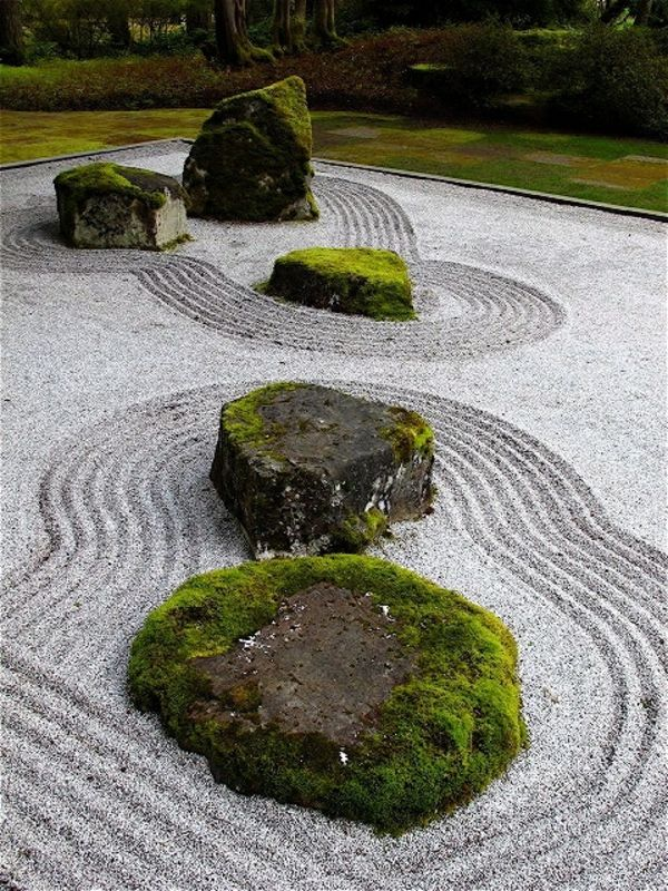 raking in a zen garden can be soothing zen garten pinterest zen g rten garten anlegen und zen. Black Bedroom Furniture Sets. Home Design Ideas