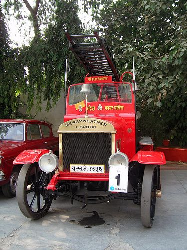 101 Year Old Fire-Engine, pride of Lucknow36 ΧΡΟΝΙΑ ΠΥΡΟΣΒΕΣΤΙΚΑ 36 YEARS IN FIRE PROTECTION FIRE - SECURITY ENGINEERS & CONTRACTORS REFILLING - SERVICE - SALE OF FIRE EXTINGUISHERS www.pyrotherm.gr www.pyrosvestika.com www.fireextinguis... www.pyrosvestires.eu www.pyrosvestires...