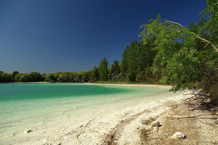 Znalezione obrazy dla zapytania przykona jezioro szmaragdowe