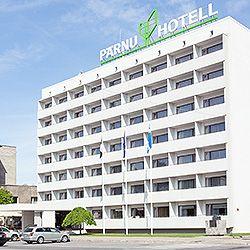 Moderni keskustahotelli Pärnun pääaukion ja puiston välissä Rüütlin ostos- ja kävelykadun varrella. Keskeinen sijainti tekee hotellista oivan tukikohdan olit sitten loma- tai liikematkalla. #eckeröline #pärnuhotel #pärnu #viro #estonia