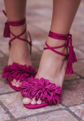 29'99€ Sandalias de tacón con cordones en color buganvilla con flecos. Compra en nuestra tienda online tus zapatos baratos de calidad