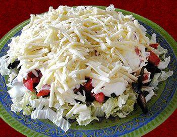 Салат из красной капусты с ветчиной
