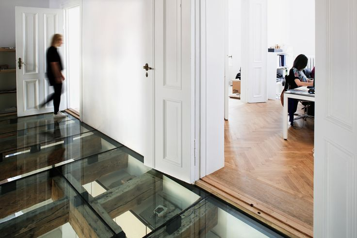 reiulf ramstad's oslo office features a transparent glass floor