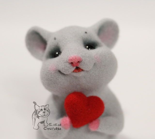 This is too, too cute and its a tutorial! Needle Felted Mouse Holding a Heart Tutorial.