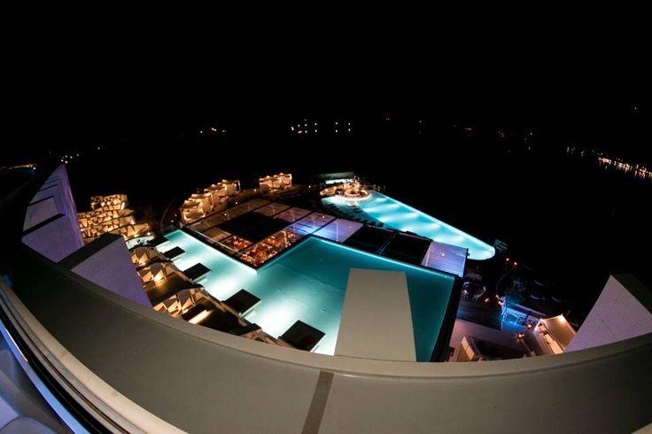 Pearl bar view