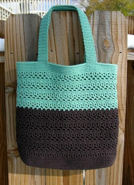 Great market bag. I have made several of these in solids and different combinations of stripes.