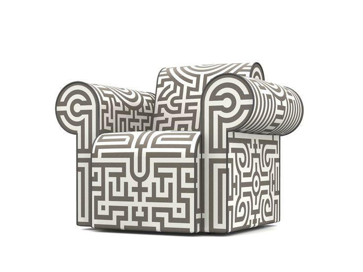 Poltrona imbottita in Dacron® con braccioli LABYRINTH CHAIR GREY by Moooi© design Studio Job