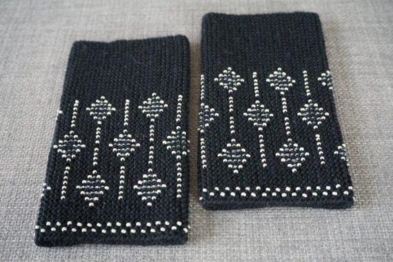 Black and cream beaded wrist warmers/ knitted от WoolAndDot