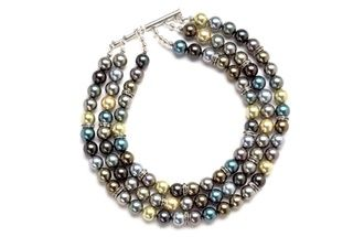 Far east: Japanese pearl necklace.  Find more projects on BeadStyleMag.com
