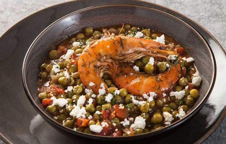 Απίθανος αρακάς με γαρίδες, ντοματίνια και βαρελίσια φέτα, σαν σαγανάκι - Συνταγές - Νηστήσιμες συνταγές | γαστρονόμος