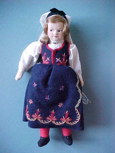Antique-Cloth-Doll-RONNAUG-PETTERSSEN-Norwegian-Costume-GIRL-Doll-NORWAY