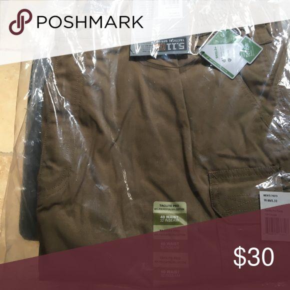 Men's size 40/32 511 tactical pants. Men's size 40/32 511 tactical pants. Khaki Pants
