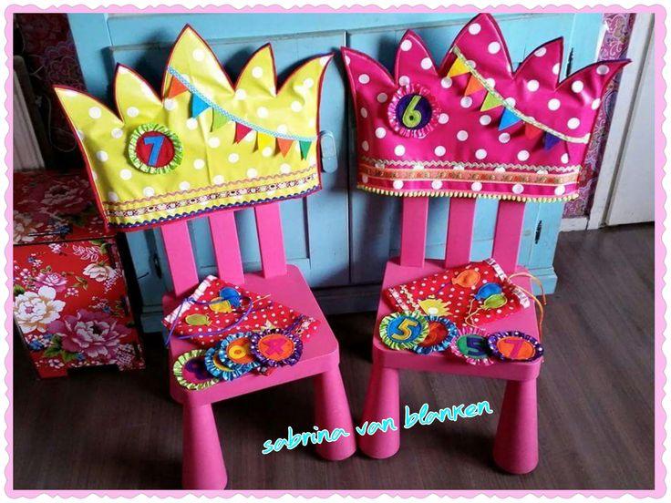 Verjaardag stoelkronen als kado voor de juf ! Of als stoelkroon voor thuis of kraamkadootje :)