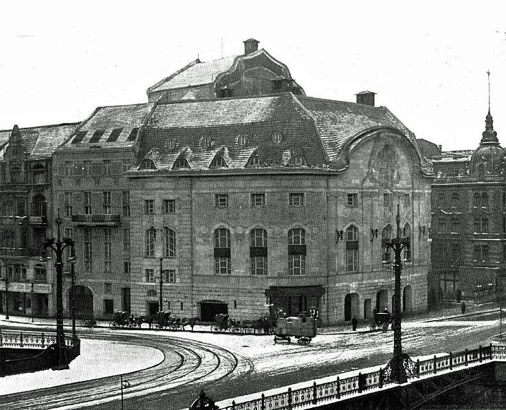 Blick auf die Komische Oper. Friedrichstr 104, von Arthur Biberfeld, Grundrisse von Lachmann & Zauber, aus BAW November, 1906: