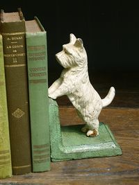 I love this sweet little Scotty dog bookend with vintage books - green :)