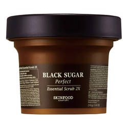 Black Sugar Perfect Essential Scrub - Peeling marki SKINFOOD na sephora.pl: Oryginalne i luksusowe marki kosmetyków - Zapachy, Perfumy, Makijaż, Pielęgnacja Skóry na Sephora.pl