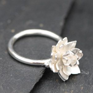 Reference akbaguelotusmobile Real small work of art rélisée hand carved silver! Lotus flower on mobile ring in sterling silver. Available ...