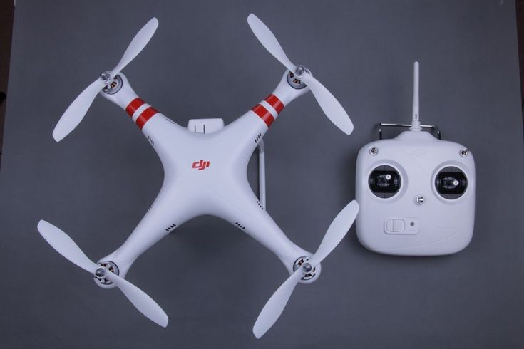 Top View of the DJI Phantom 1 and Remote