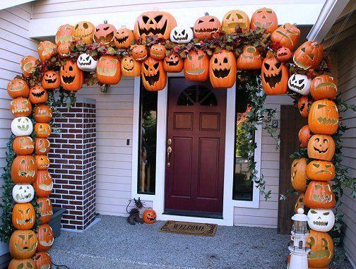 Pumpkin Jack O' Lantern arbor. Awesome Halloween Home Decorating Ideas