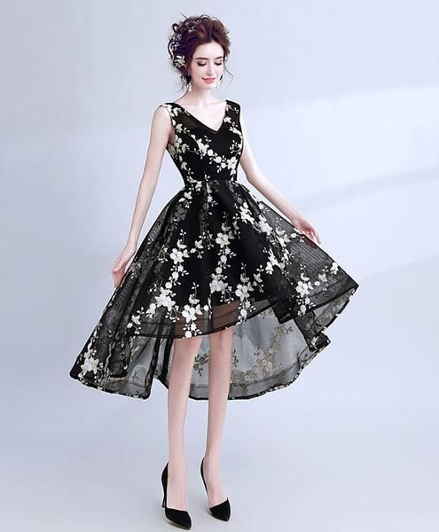 fb28969f9ed Black v neck lace short prom dress
