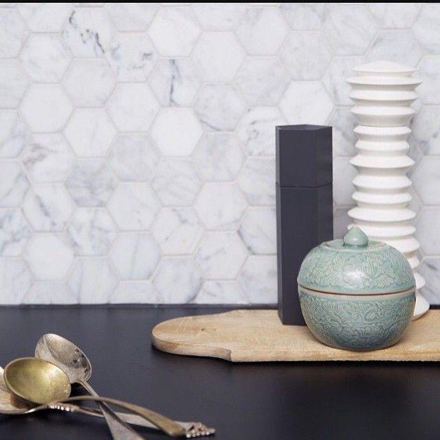marmor heksagonfliser - Fantastisch Design Badevrelse Med Natursten