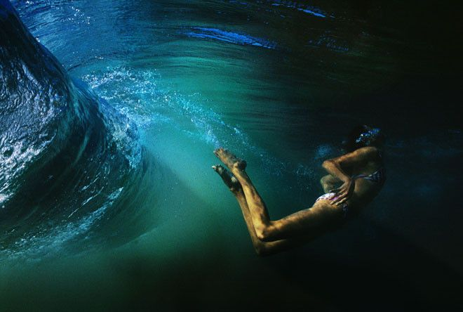 Narelle Autio has such amazing underwater and street photography <3