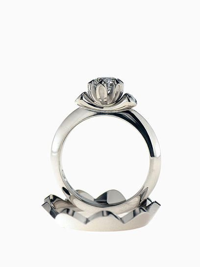 Saarikorpi Design, WaterLily rings, W/VS diamonds