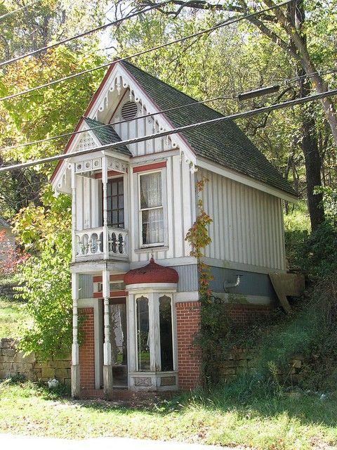 Small Victorian cottage  Eureka Springs Arkansas