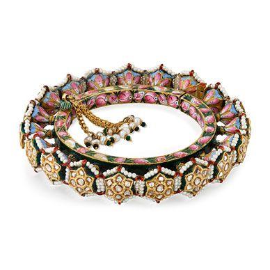 A PERIOD DIAMOND 'POLKI' AND ENAMELED PACHELI BANGLE-