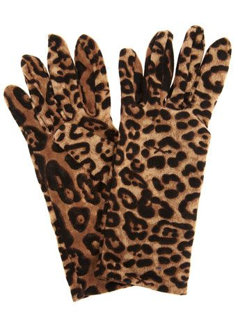 3 pounds for these leopard print gloves? might need to get me a pair