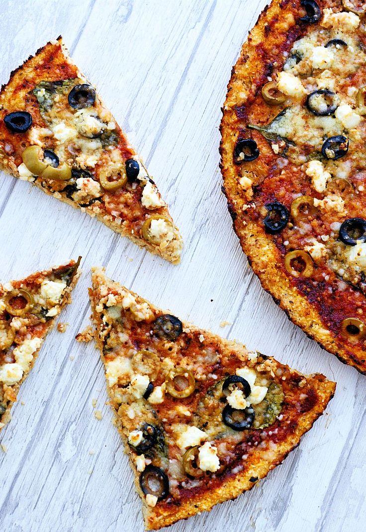 Nie ukrywam, że na diecie bezglutenowej włoskich smaków brakuje mi najbardziej. Wszyscy lubimy pizzę i często ją robię, oczywiście cztery różne, bo każdy ma inne smaki. Swoją więc uczyniłam kalafio…