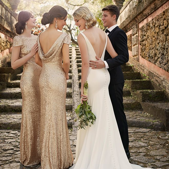 Old-hollywood glam meets modern with these stunning sequin bridesmaid dresses! #SorellaVita Old Hollywood Wedding Inspiration // Aisle Perfect