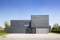 Modern huis met grijze steen