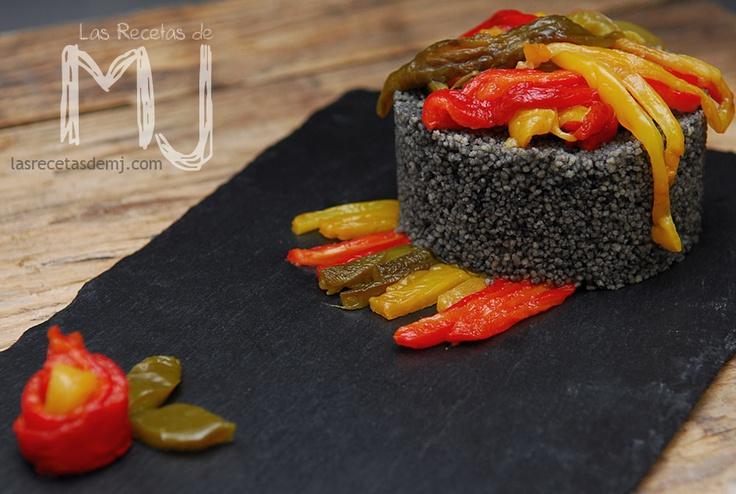 Cous-cous negro con trio de pimientos / Black cous-cous with three peppers