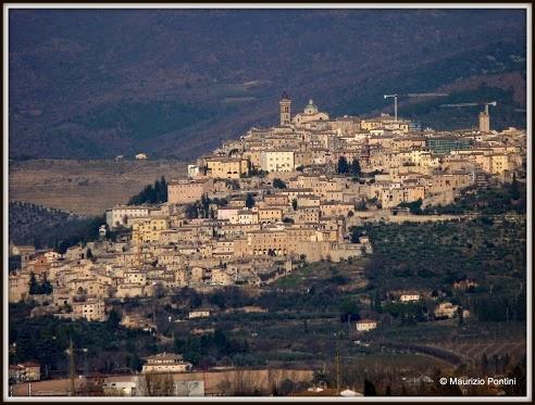 Trevi   Umbria  inserito tra i più bei borghi d'Italia