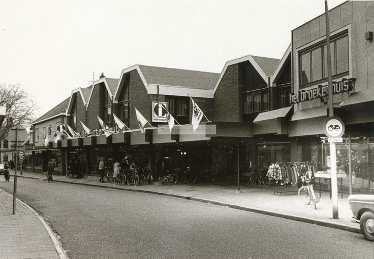 Winkels aan het Oosteinde in Hardenberg.   Mijn Stad Mijn Dorp