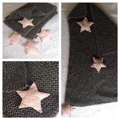 Couverture bébé en laine grise scintillante avec étoiles roses et argentées 50eur