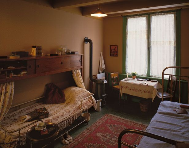 Otto, Edith and Margot Frank's Room - Anne Frank Guide