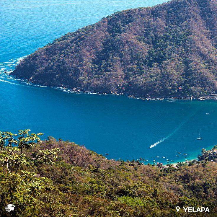 Yelapa, Puerto Vallarta. Jalisco, México. Su ubicación, en la exuberante selva de la Sierra Madre, hace de esta playa el paraíso idóneo. Acampa, explora las cascadas y descubre todo lo que puedes hacer en este bello sitio.