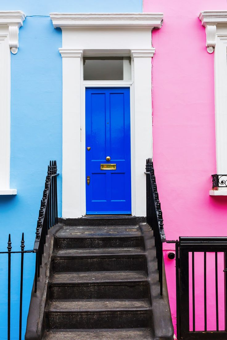 Notting Hill brings a dash of bohemian cool to the stately Victorian townhouses and cobbled side streets, making it the perfect location for the annual Notting Hill Carnival, Europe's biggest and most flamboyant street festival.