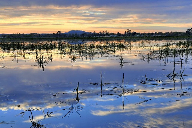 Lake Wendouree v4 by DavidJMar, via Flickr