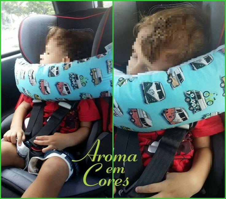Apoio para cabeça da criança na cadeira de segurança  Seu bebê fica com a cabeça pendurada quando dorme no carro?  Essa almofada você prende na própria cadeirinha (alça ajustável) e o seu bebê já tem onde apoiar a cabecinha quando cair no sono!  Indicada para cadeira de segurança que tem cinto próprio (modelos para crianças de 9 a 18 quilos, aproximadamente de 1 a 4 anos). Diversas estampas a sua escolha.