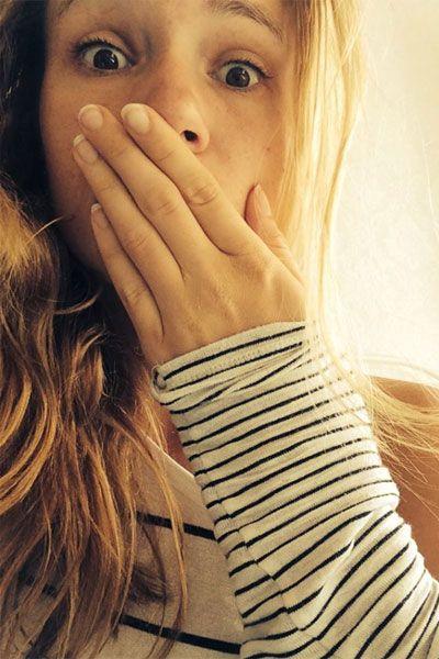 Stars ungeschminkt: Die Bachelorette 2014Huch, wieso guckt die Bachelorette denn so geschockt in die Kamera? An ihrem gänzlich