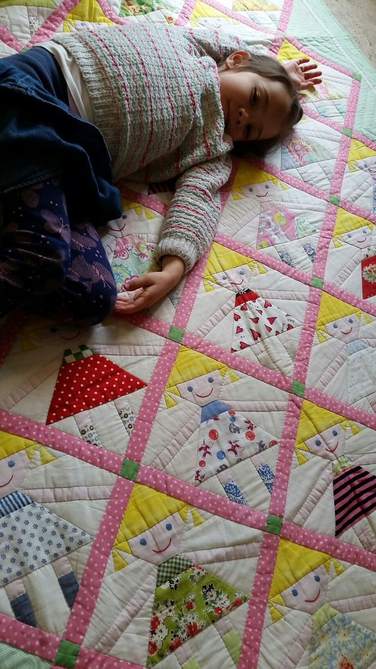 My mother made this lovely quilt for my daughter when she was born. We really love it♡