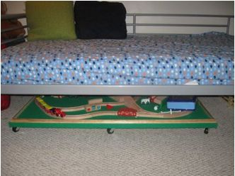 Under the bed train table tutorial. Need to make one of these for legos, too