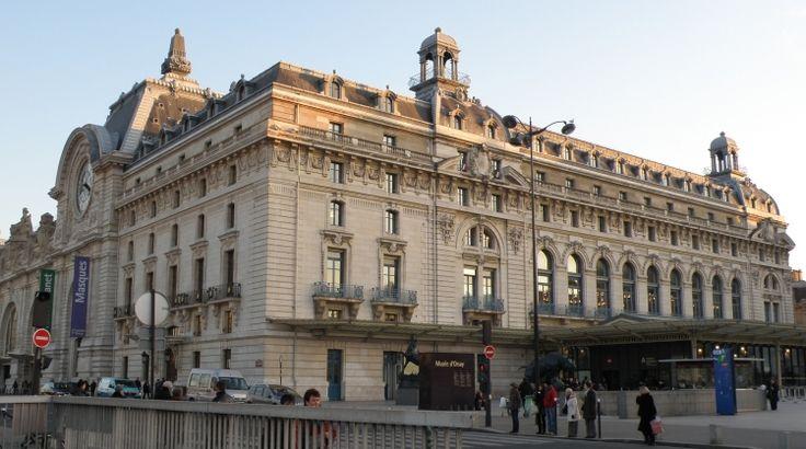 Que vous ayez décidé de visiter le Musée d'Orsay en famille ou seul, voici quelques idées pour rendre votre après-midi plus intéressante et plus simple ! En famille, entre amis ou en groupe, des visites-conférences sont proposées à tous au musée...