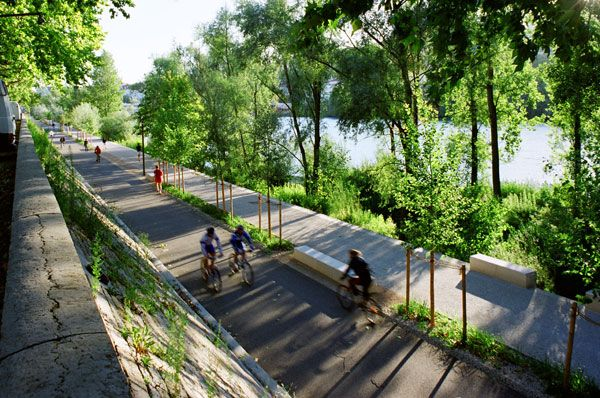 Extraordinary development re connects city with the river for Waterfront landscape design